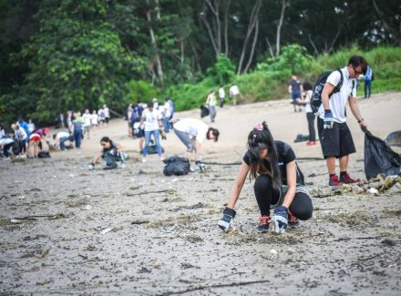 CSR Day 2018 : Let's Clean The Beach Together